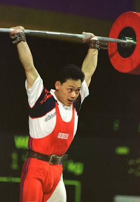 Atlanta 1996 - Zhan Xugang, campeón de -70 kg en halterofilia