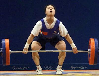 Sydney 2000 - Chen Xiaomin, campeona en halterofilia (-63 kg)