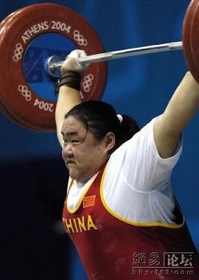 Atenas 2004 - Tang Gonghong, oro en halterofilia (-75 kg femenino)