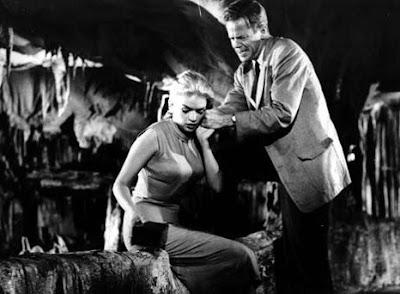 Jayne Mansfield y Dan Duryea en The Burglar (1956)