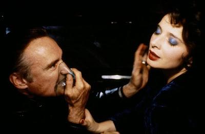 Dennis Hopper e Isabella Rossellini en Terciopelo Azul (1986)