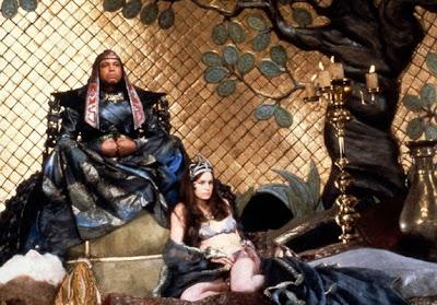 James Earl Jones y Valérie Quennessen en Conan el Bárbaro (1982)