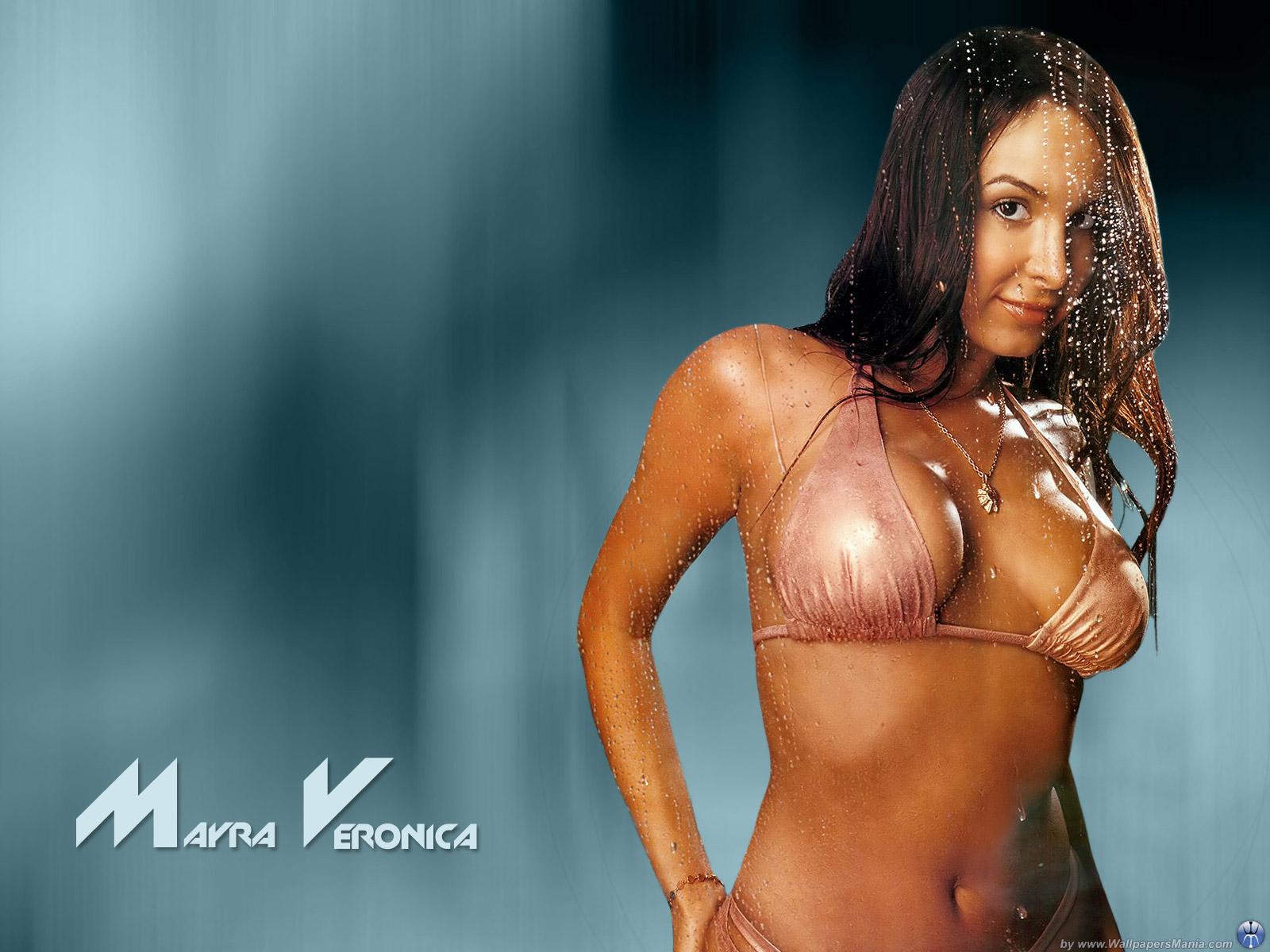 http://3.bp.blogspot.com/_W40QLPbCeXw/TO_IMMJ1hDI/AAAAAAAACk0/sKnIlZdFao4/s1600/Desktop+Women+-+HQ+Wallpaper+144_Mayra-Veronica.jpg