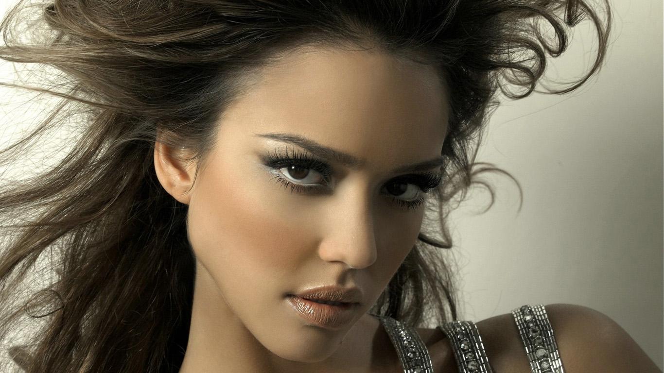 http://3.bp.blogspot.com/_W40QLPbCeXw/TQz0_g1qjyI/AAAAAAAACwE/gUH0niytS1Y/s1600/Desktop+Wallpaper+211+-Jessica-Alba.jpg
