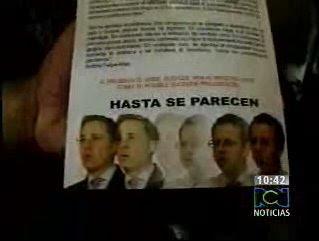 Fotograma de uno de los dos tipos de volantes que se estaban repartiendo el 21 de enero en Catama (Meta), durante una reunión oficial del Ministro Arias. Confrontado con los volantes por reporteros de La Cosa Politica del noticiero RCN, el Ministro sonrió y negó tener algo que ver