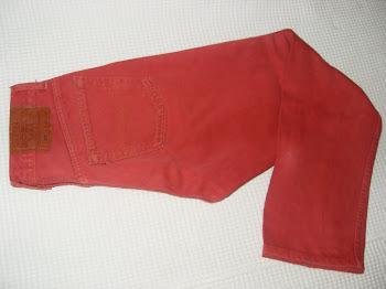 Lindo jeans skining Levis 501 n. 38 maravilhoso, peça unica no seu guarda roupa!