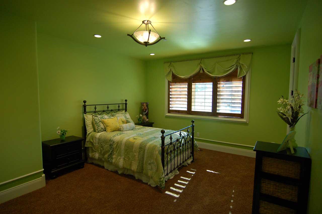 hijau nih sgt shantekkk but nape sume dinding pun dia color ngan hijau ...