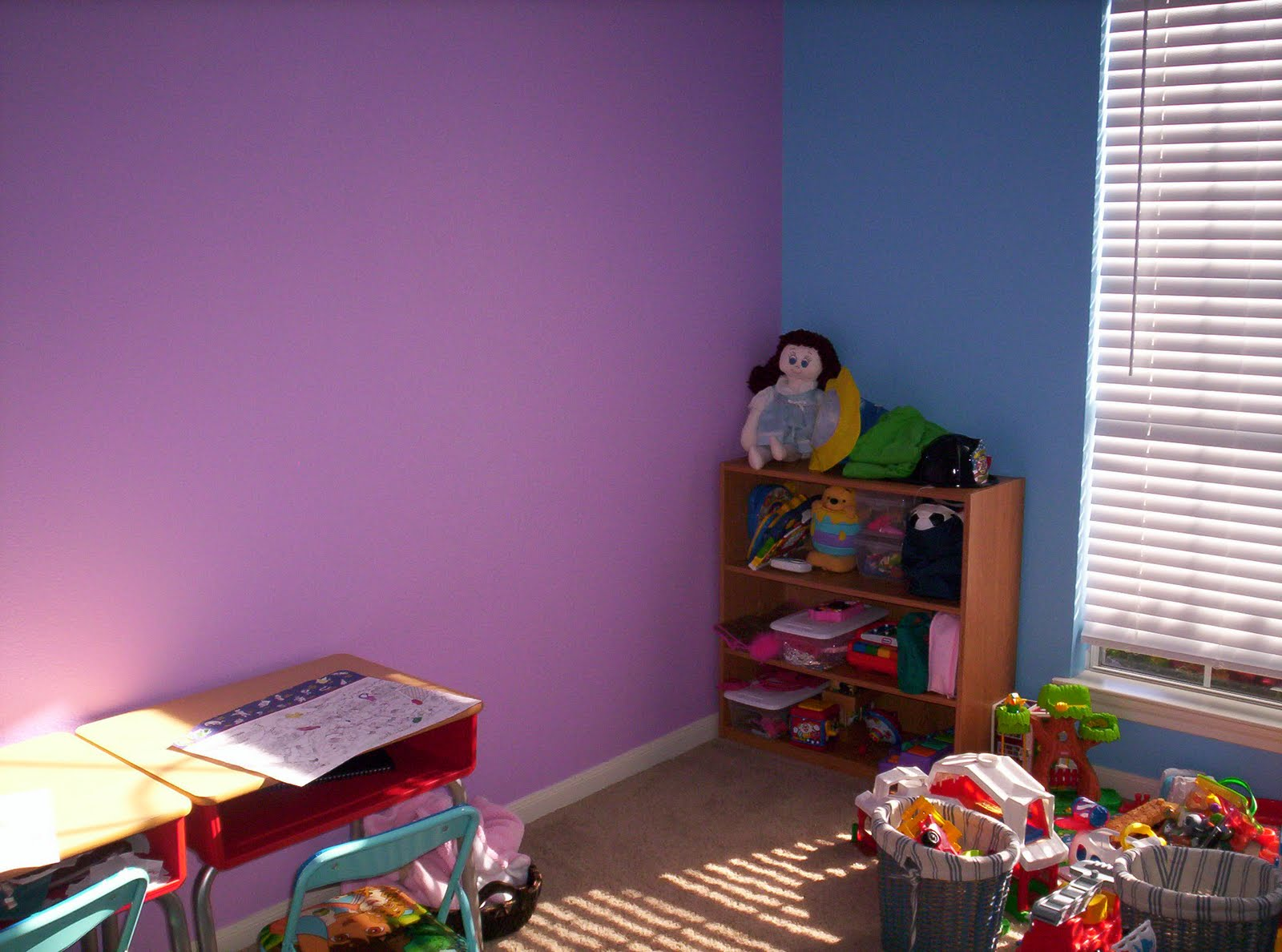 The stirland team new house Purple and blue room