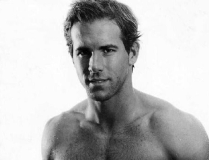 ryan reynolds shirtless in green lantern. ryan how ryan reynolds