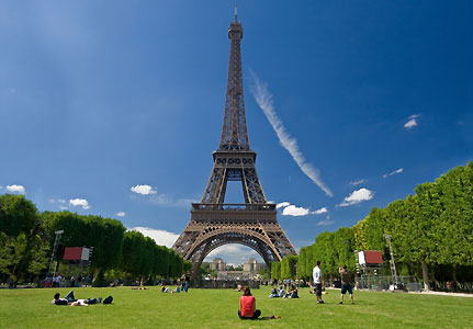 Findpicture  Eiffel Tower on The Eiffel Tower   Paris  London   Be Updated