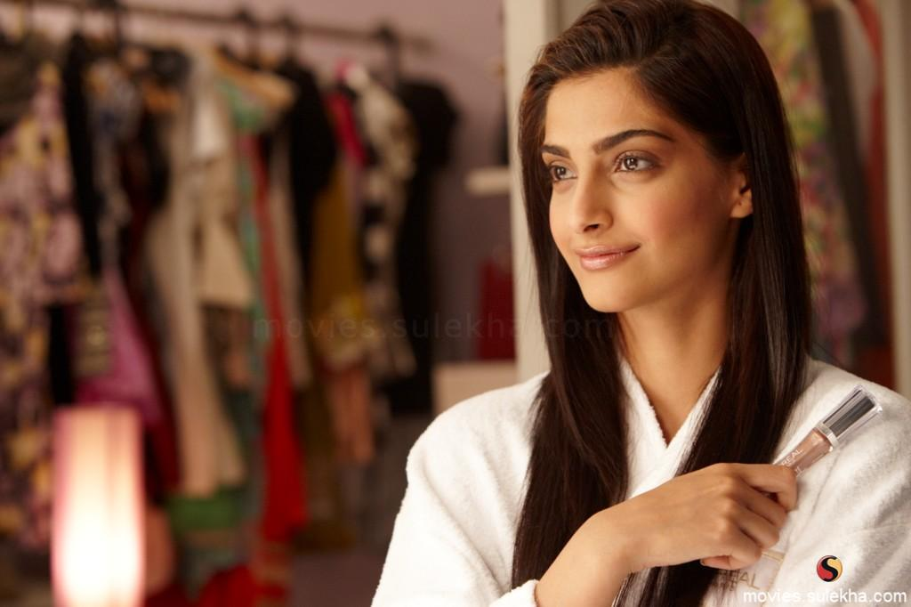 hd wallpapers of sonam kapoor. Sonam+kapoor+hot+thank+you