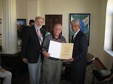 Entrega de Diploma Dr. Delgado Plasencia de Puerto Rico