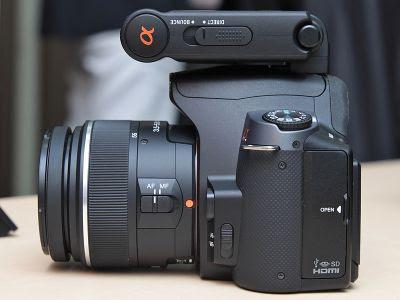 ¿El flash HVL-F20AM es compatible con la A200? en Sony A200/A230/A290setsumei_22l.jpg
