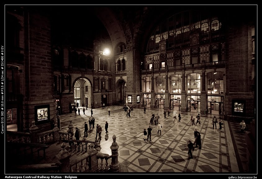 Antwerpen Central rail station - Main Hall Antwerpen, Belguim