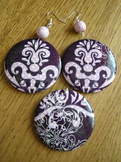 fioletowy ornament (wisiorek z kolczykami - awers)