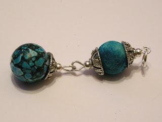 biżuteria z półfabrykatów - niebieski howlit (zawieszka)