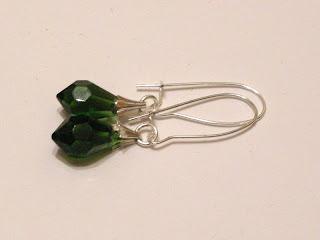biżuteria z półfabrykatów - zielone kryształki (kolczyki)