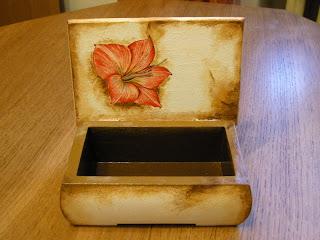 wyroby decoupage - przypalona szkatułka