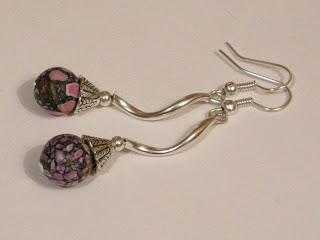 biżuteria z półfabrykatów - howlit zakręcony (kolczyki)