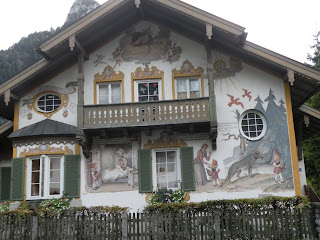 Рисованый дом в городке Обераммергау