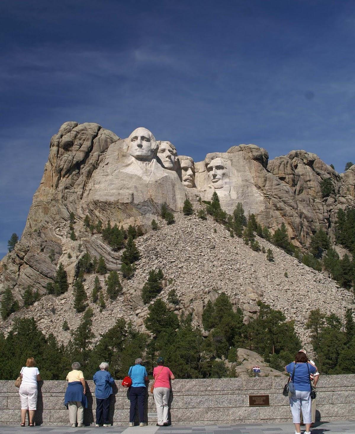 http://3.bp.blogspot.com/_WBXzvQavLYs/SrU-jK8vMEI/AAAAAAAAEIw/nu-_trWnqm8/s1465/Mt.+Rushmore.20.jpg