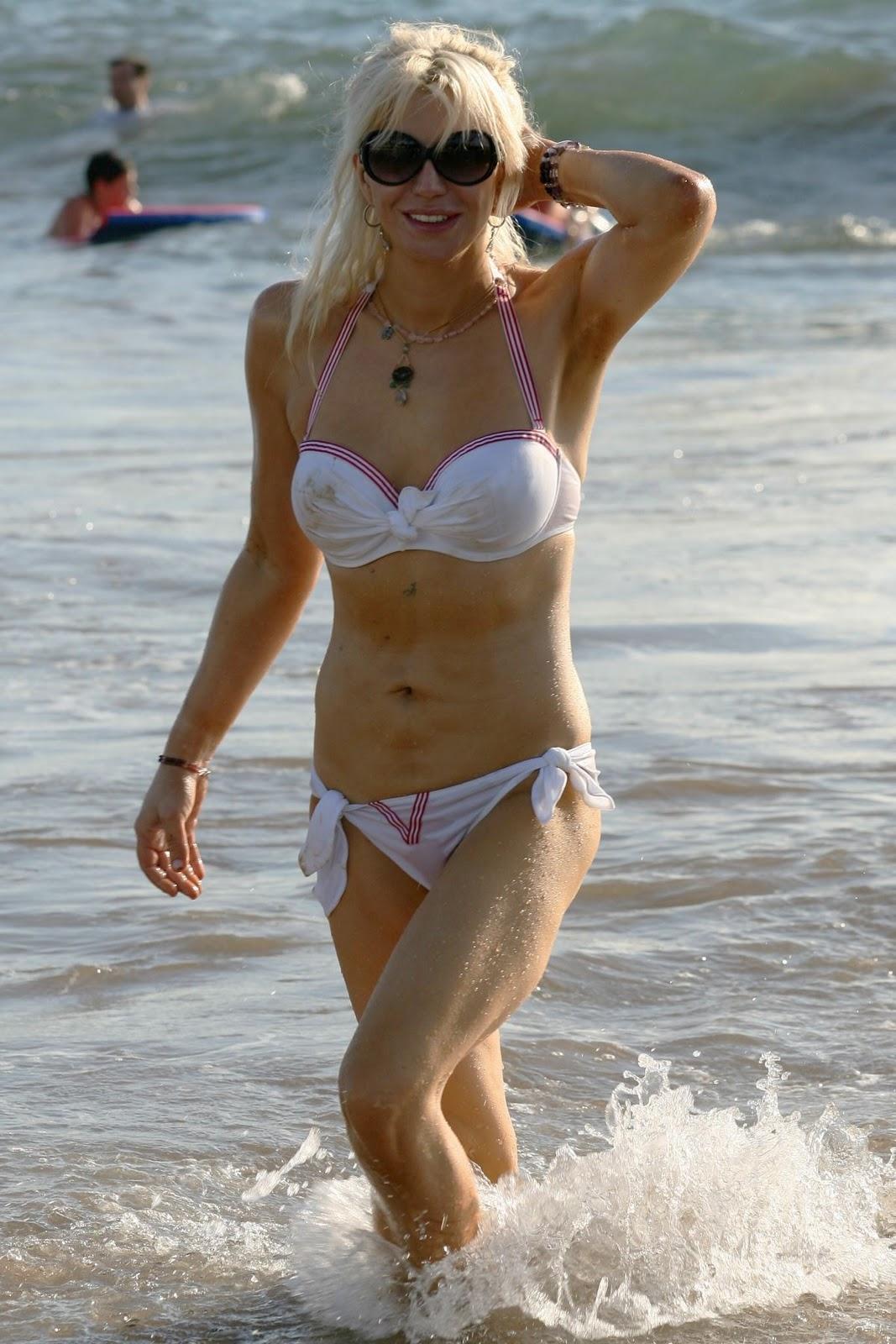 Bikini courtney love