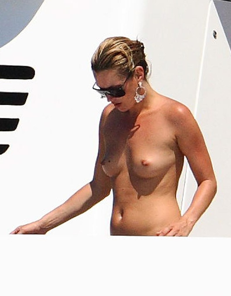 kate moss topless 1 03 May | 2010 | Male Celeb News | Page 8