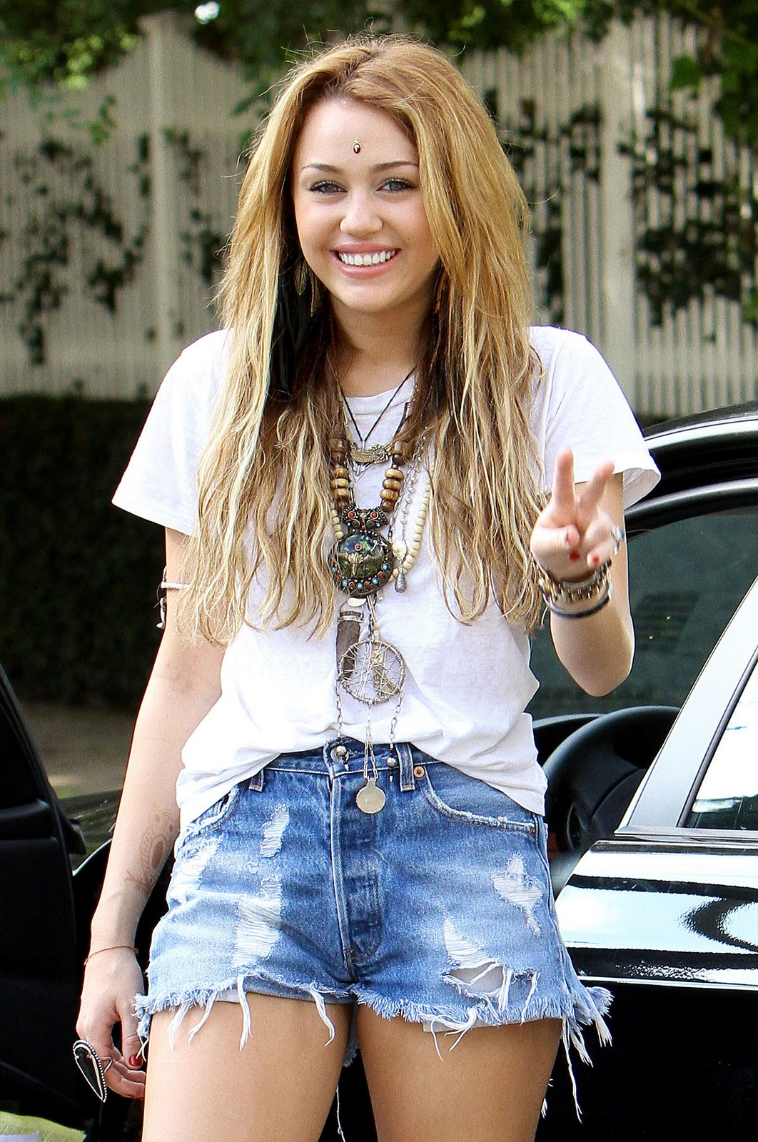 girls milan miley cyrus young hot sexy pretty