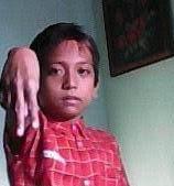 amri, sang karateka kecil