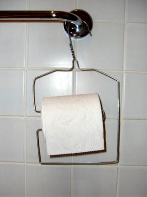 http://3.bp.blogspot.com/_WDsEaKOhn9U/RzdNyp1fGRI/AAAAAAAABZY/yz6YYIRN2MA/s400/redneck_toilet_paper_holder_3.jpg