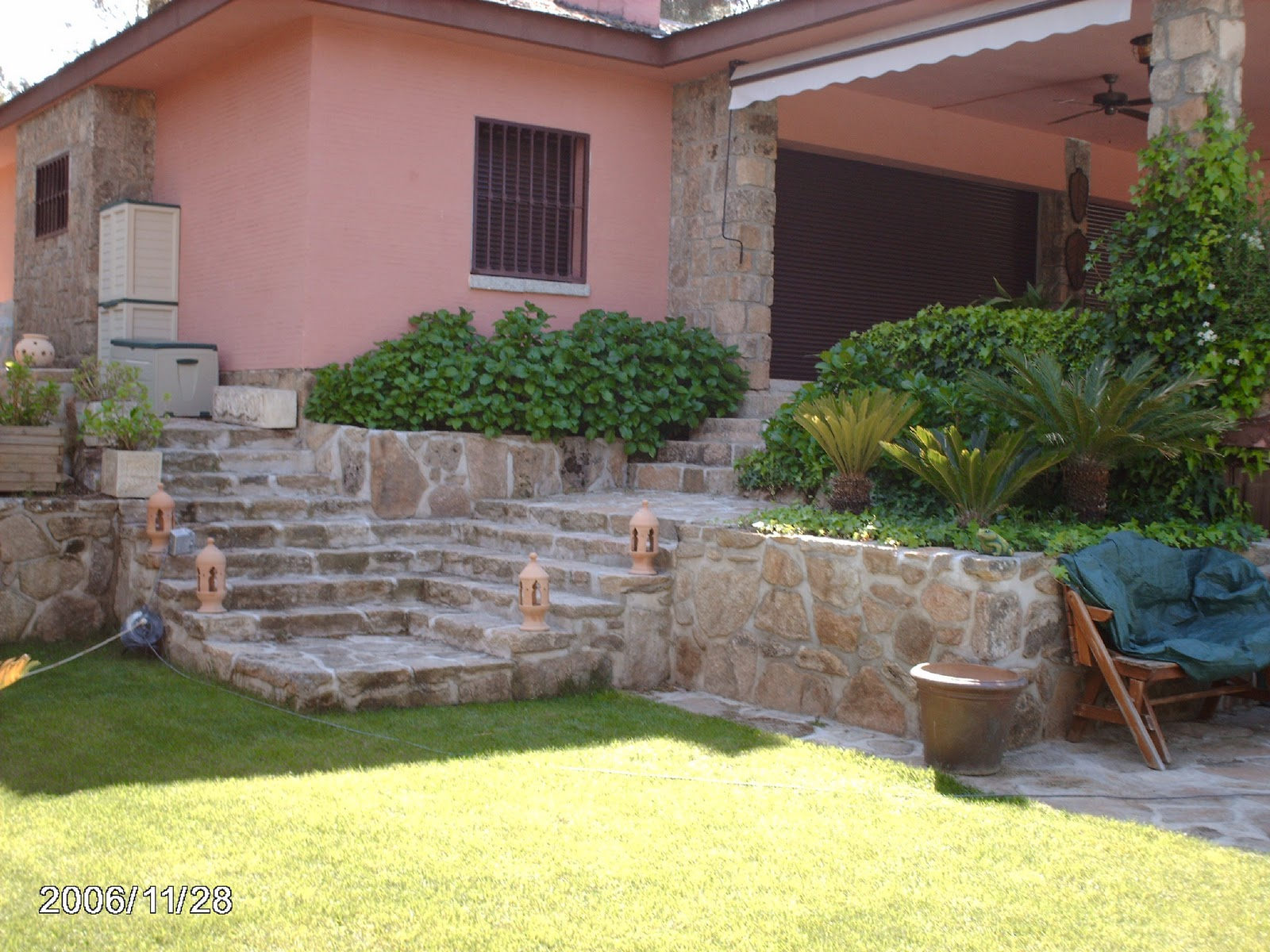 S nchez yuste sl construccion de escalera con piedra de - Jardines con madera y piedras ...