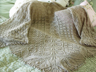 Vine Leaf Knitting Pattern : Lace Shawl KAL: Triinus Vine & Leaf Shawl