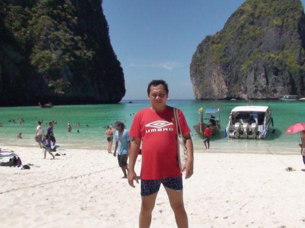 benarkah ini foto gayus di thailand saat tahun baru 2011?