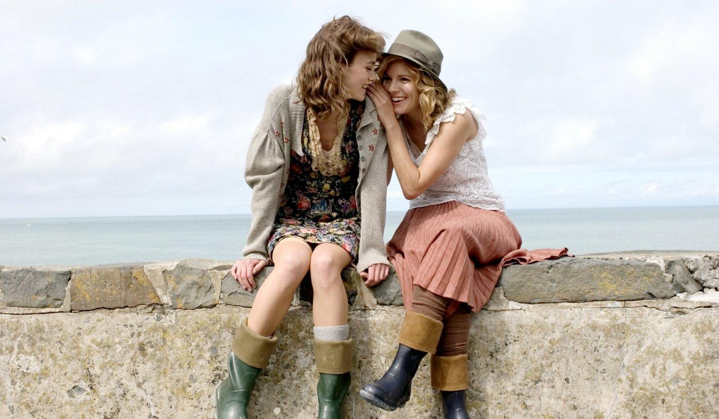 http://3.bp.blogspot.com/_WHZA6nHUdKY/TIcn4r1r3OI/AAAAAAAAADU/temz9U-aeaM/s1600/edge+of+love.jpg