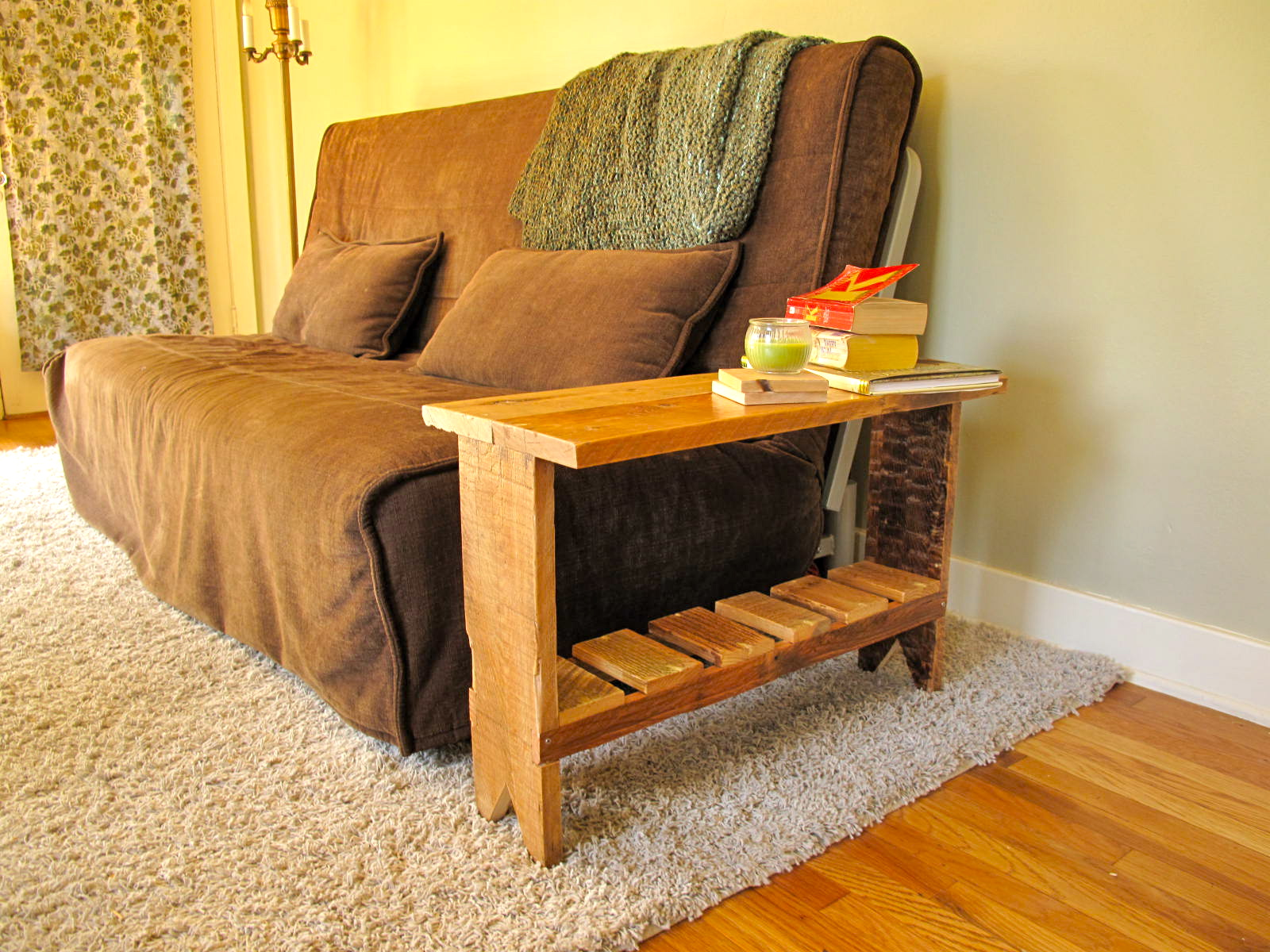 Jack at random diy pallet end table for Pallet end table