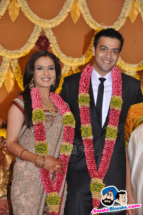 Soundarya Rajinikanth Wedding Reception Pics