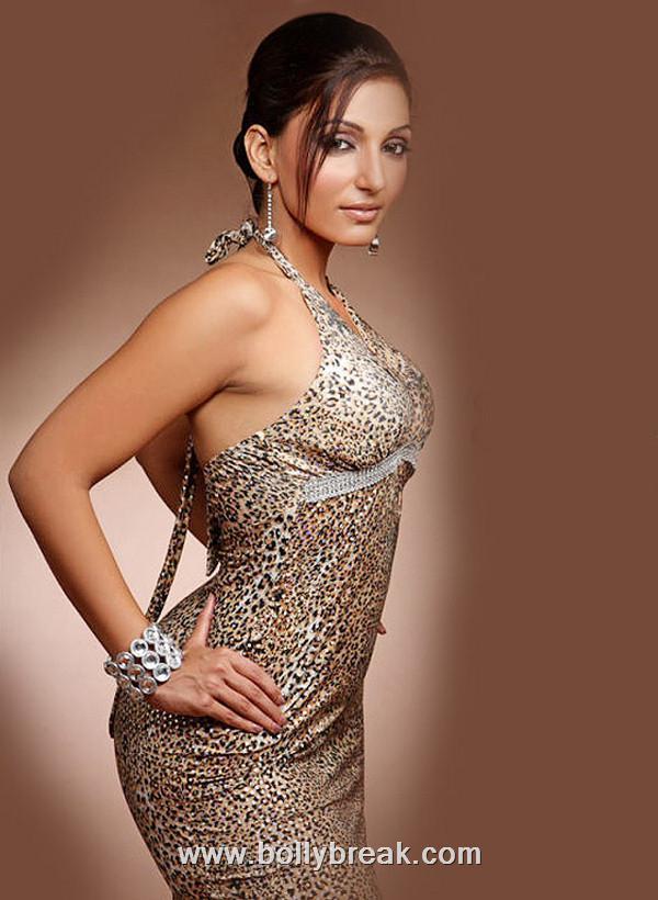 , Navina Boley Hot Pics - Sexy Model
