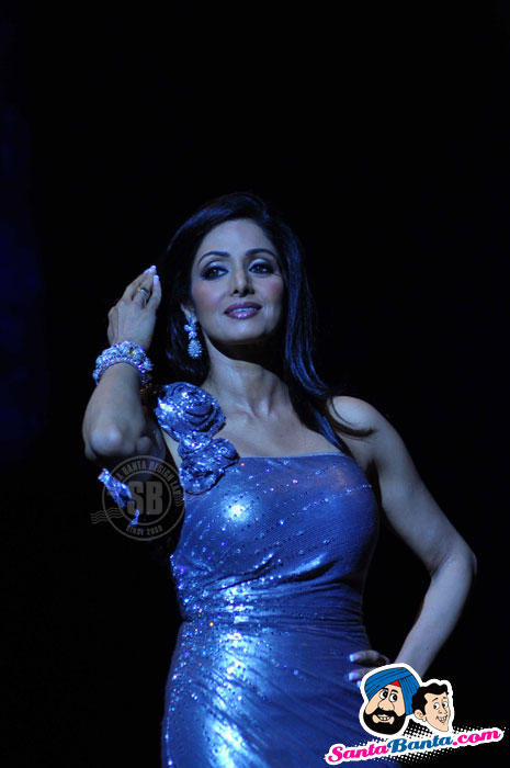 Hot SriDevi Burns Down Lakme Fashion Week Ramp