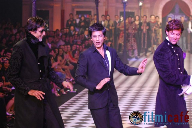 SRK, Bachchan, Hrithik Walk the Ramp Together