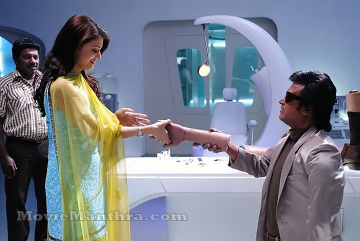 Some unseen stills of Aishwarya from Robot