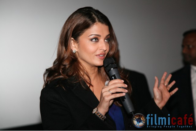 Aishwarya Rai at London Premiere of ROBOT