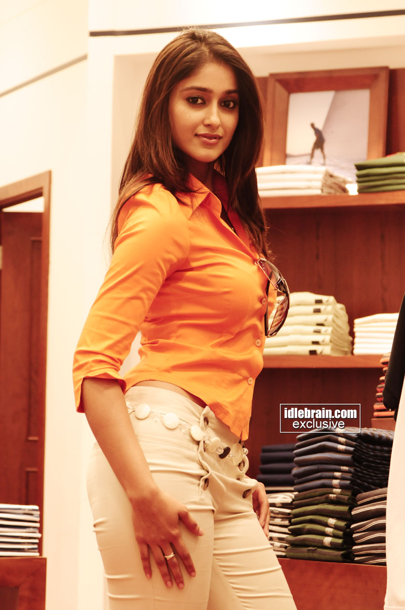 , Ileana Hot Pics trying out Clothes