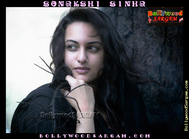 Sonakshi Sinha In Bikini: Sonakshi Sinha Beautiful .