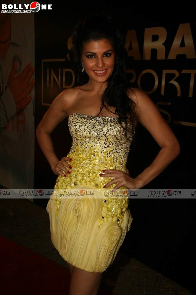 , Kareena, Shahrukh, Sania, Dia, Jacqueline at Sahara Sports Awards