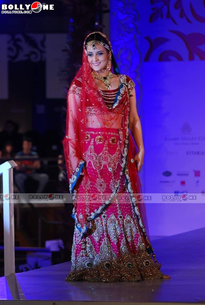 , Tulip Joshi Bridal Look at India Bridal Week