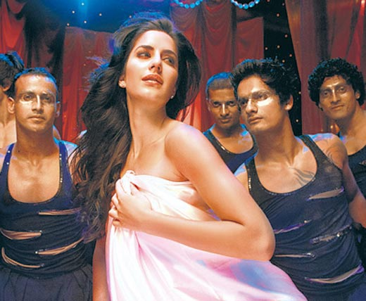 Katrina Kaif Sheila Ki Jawani song HOt Still