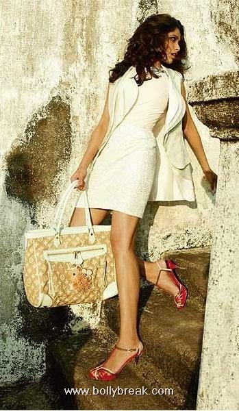  Freida Pinto on Harper&#39;s Bazaar Dec&#39;10 issue