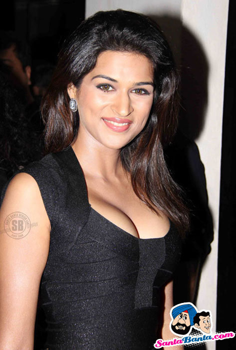 Shraddha Das - Shazahn Padamsee at Dil Toh Baccha Hai Ji First Look Launch