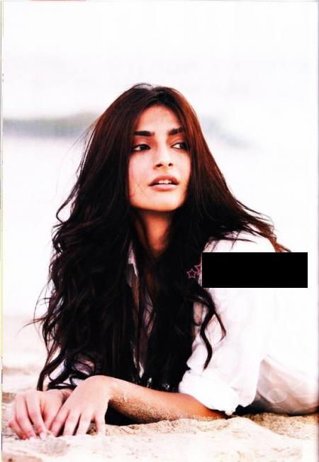  Sonam Kapoor Filmfare scans 