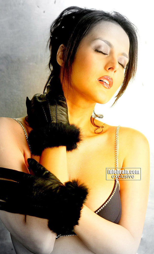 , Tulip Joshi Hottest Wallpapers